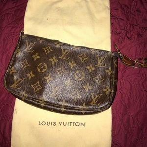 Louis Vuitton Pochette Clutch